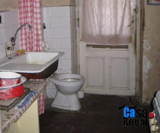 wc in bucatarie