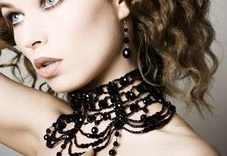 bijuterii negre
